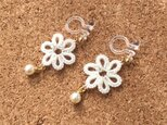 tatting lace earring【small Flower】の画像