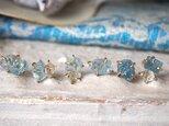 原石のアクアマリンとダイヤモンドクォーツのピアスの画像