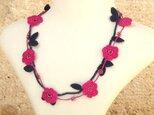 レース編みのネックレス「マリー」ピンクの画像