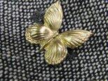 真鍮ブラス製 ミニバタフライ(蝶)型ピンズブローチ ジャケットやハットの飾りとしての画像