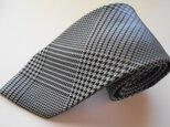 ネクタイ グレンチェック グレー  シルク(絹)100%の画像