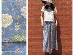 ■すっきりAラインスカート(85cm丈):空色と花:ペチコート付きの画像