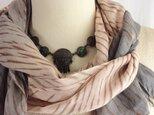 茜と柿渋の嵐絞りロングストール  ジェンダーレス  竹繊維100%の画像