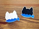 刺繍ブローチ 「お魚くわえたネコ」の画像