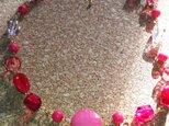 桃色のネックレスの画像