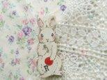 イースター特別企画 春の新作 3 赤い実とウサギちゃんの画像