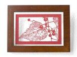 切り絵 野葡萄 フローターフレーム 透明背景 赤の色渋紙の画像