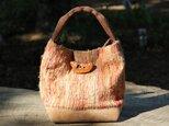 柿渋染めの裂き織りバッグの画像