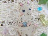 夏の新作 貝殻を持つ子ウサギちゃんの画像
