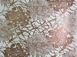 ギルディング和紙 菊にススキ柄 生成和紙 赤混合箔の画像