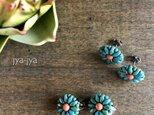 beads earrings - petit flowerの画像