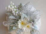 white snow wreathの画像