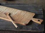 手彫りのカッティングボード(チェリー)の画像