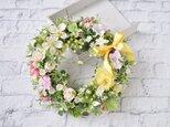 はなみずき と 小さな花:春 リース ピンク 実の画像