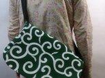 和柄メッセンジャーバッグ(大唐草模様)緑の画像