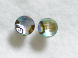 (1点もの)アバロンシェル&水晶のスタッドピアス(8mm・チタンポスト)の画像