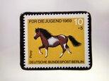 ドイツ 馬切手ブローチ 5138の画像