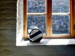 送料無料◎‼︎春SALE 15%OFF‼︎DOT LINE BAG  BLACK×WHITE 帆布ボーダーラウンドショルダーの画像