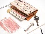 片マチ ファスナーポケット付キーケース(ペンギン)牛革【カードがたくさん入る】 ILL1148の画像