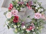 モーヴピンクのオールドローズ リース:ピンク 白 バラ 母の日の画像