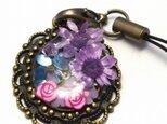 レジンストラップ(紫の花)の画像