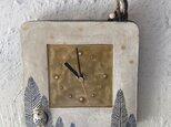 陶の壁掛け時計(小)「キツネの住む森の中」の画像