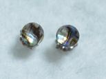 (1点もの)アバロンシェル&水晶のスタッドピアス(6mm・チタンポスト)の画像