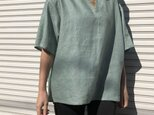 """男女とも使える""""リネン100%""""涼しいメンズTシャツ(浅葱色・半袖)の画像"""