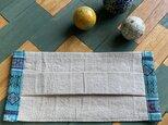 大人サイズ・プリーツ布マスク「生成色の麻布と民族柄G」Vol.2フイルターポケット付きの画像