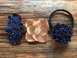 【 I様おまとめ品 】革花のへアゴム・スリーピン・ブローチの画像