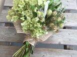 受注 アナベルとマウンテンミントの花束の画像