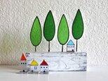 ステンドグラスの小さなお家 青い屋根のお家の画像