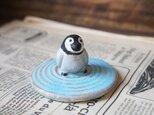 陶器【水面に佇むペンギン】の画像