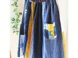 爽やかブルー パッチポケットが可愛い 絵画なパッチワーク ギャザースカート チェック 花の画像