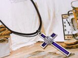 紫十字のネックレスの画像