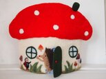 TEA COZY きのこのお家-ハリネズミとてんとう虫の画像