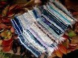 色彩り織りマフラー ショート 青の画像