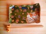 桜のしたで寝る猫の板皿:bの画像