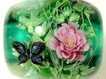 とんぼ玉 ピンクと白の牡丹とアゲハチョウの画像