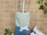 花柄&リボンのシューズバッグ:水色の画像