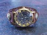 傷アリセール 歯車モチーフ2 こげ茶色 本革ブレスレット型腕時計の画像