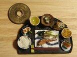 ★焼き鮭定食(半月盆・マット黒)の画像