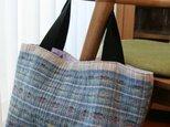 手織りウールのトートバッグ(ブルー)の画像