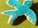 しあわせの青い鳥・刺繍ブローチの画像