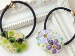 *aさまオーダー品*ガラスヘアゴム小さな花束purple・クローバー&マーガレットの画像