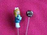 飾り待ち針3(アリスとクッキー)の画像
