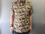 半袖和柄シャツ(花模様)の画像