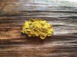 革花のスリーピン(花芯つき)  タマゴサイズ  カラシaの画像