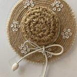麦わら帽子のブローチの画像