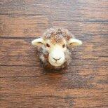 羊の顔ブローチ(小さめ)の画像